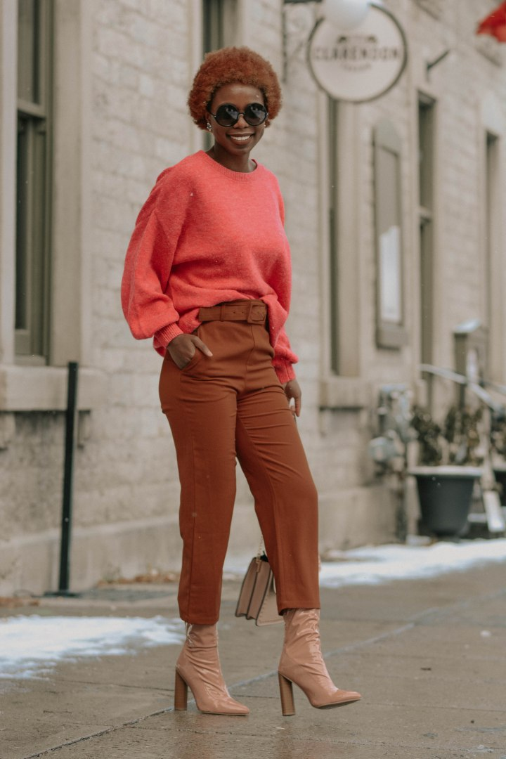 3 CHIC WAYS TO STYLE SWEATERS DURING WINTER
